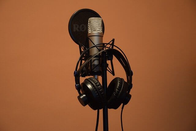 audio video improve listening skills in Spanish recording yourself voice compare